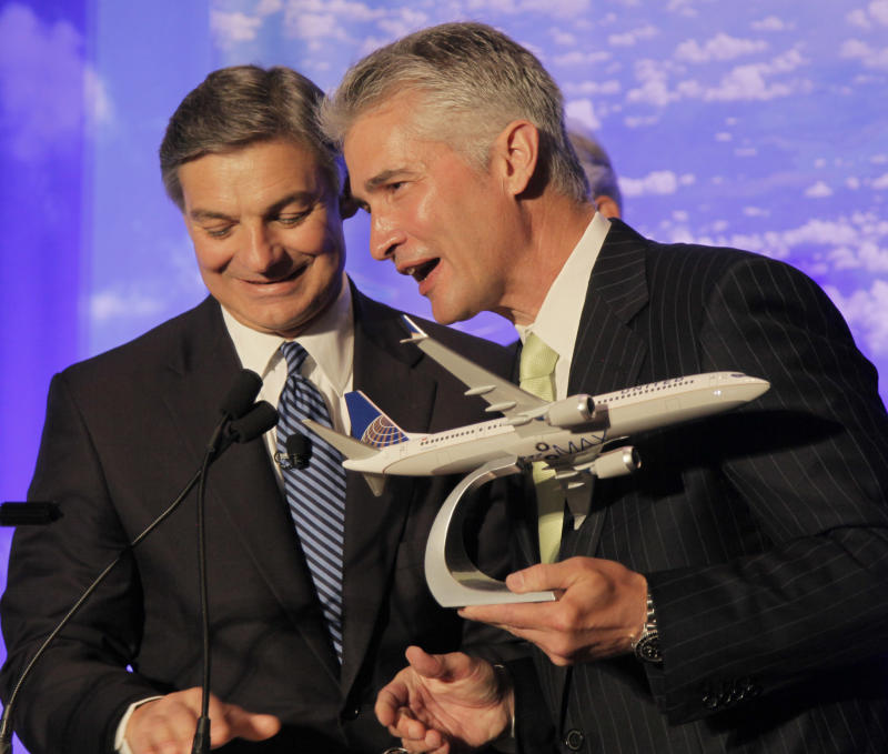 United Airlines troubles mostly wipe out 3Q profit