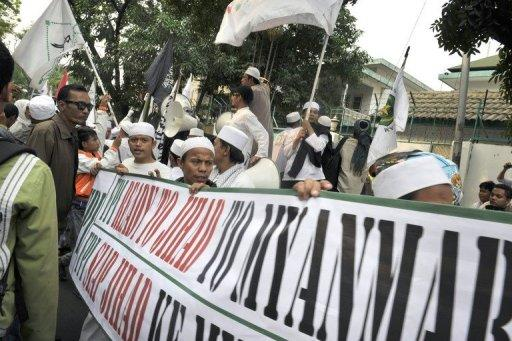 "The hardliners called on Muslims to go to Myanmar and ""carry out jihad for your Muslim brothers"""