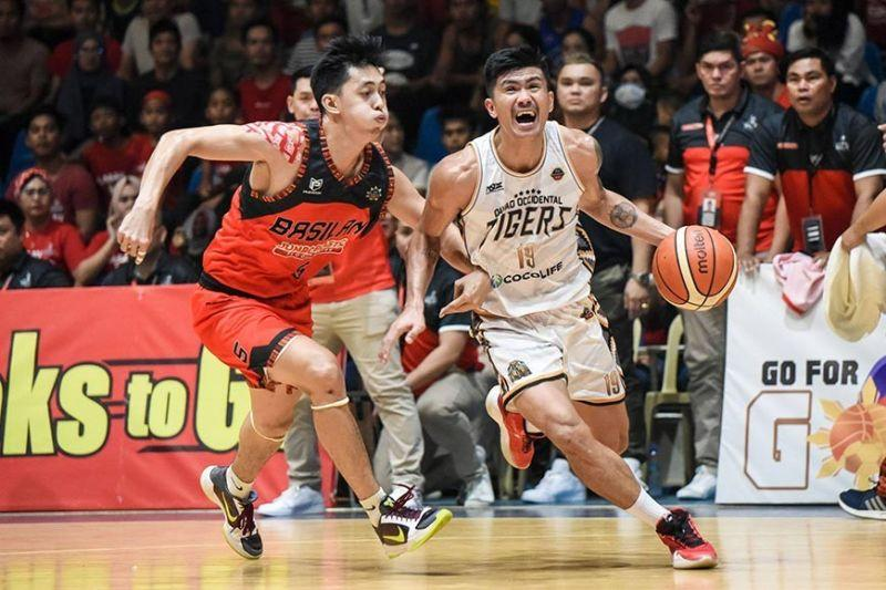 Davao Occidental leans on Cebuano Eman Calo to keep season alive
