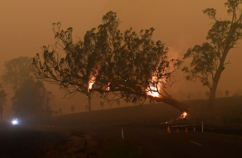 Smoke stalls rescues as Australia plans for next fiery onslaught