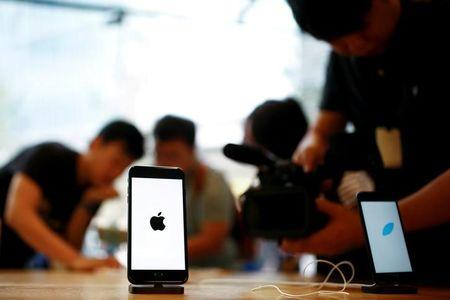 Apple says iPhone 6S battery issue bigger than first thought
