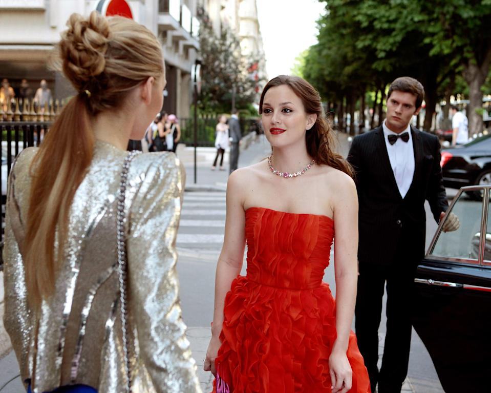 """<h1 class=""""title"""">GOSSIP GIRL, (from left): Blake Lively, Leighton Meester, 'Double Identity', (Season 4, ep. 402, air</h1><cite class=""""credit"""">Photo: © CW Network / Courtesy Everett Collection</cite>"""