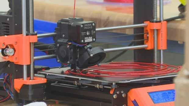 A file photo of a 3D printer. A makerspace in Tuktoyaktuk, N.W.T., is receiving a small funding boost to expand their operations.  (Terri Trembath/CBC - image credit)