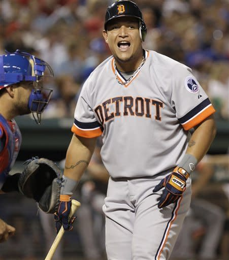 Olt's pinch-hit in 9th lifts Rangers past Tigers