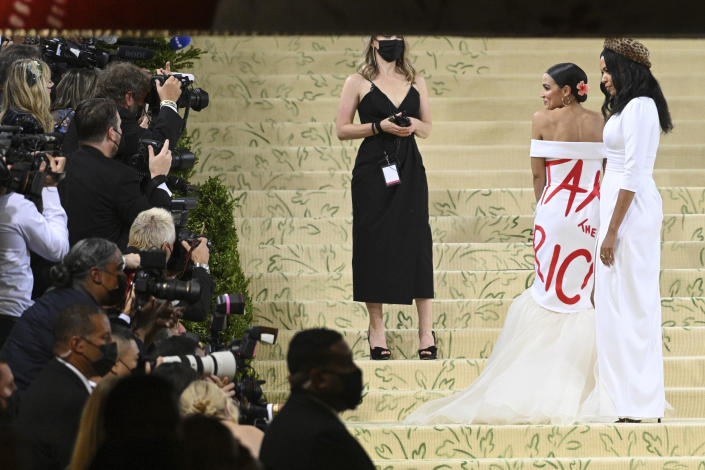 Photo by: NDZ/STAR MAX/IPx 2021 9/13/21 Alexandria Ocasio-Cortez at the 2021 Met Gala Celebrating In America: A Lexicon Of Fashion. (New York City)