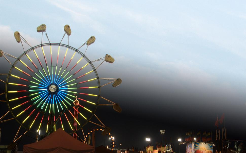 A day and night spent at the fair.  (Photo: Golden Czermak / Gizmodo.com)