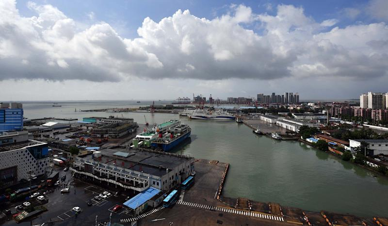 In Hainan's new free-trade zone, horse racing and betting dream still has many furlongs to go