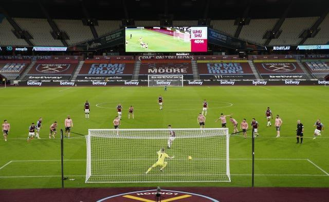Declan Rice scores the penalty
