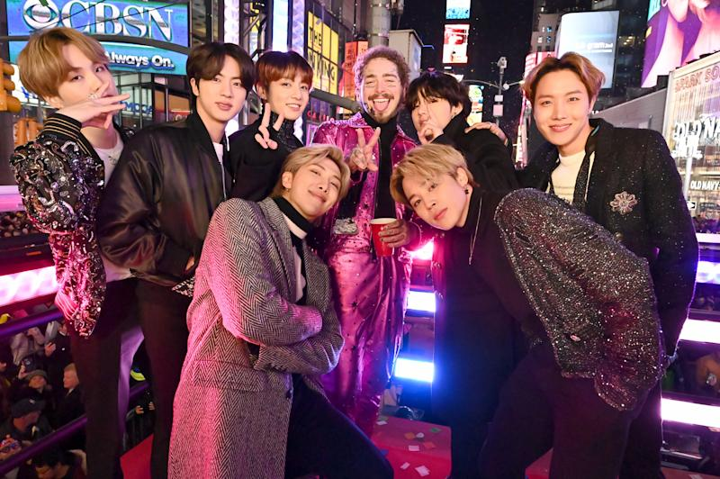 NEW YORK, NEW YORK - DECEMBER 31: BTS and Post Malone attend Dick Clark's New Year's Rockin' Eve With Ryan Seacrest 2020 on December 31, 2019 in New York City. (Photo by Astrid Stawiarz/Getty Images for Dick Clark Productions )