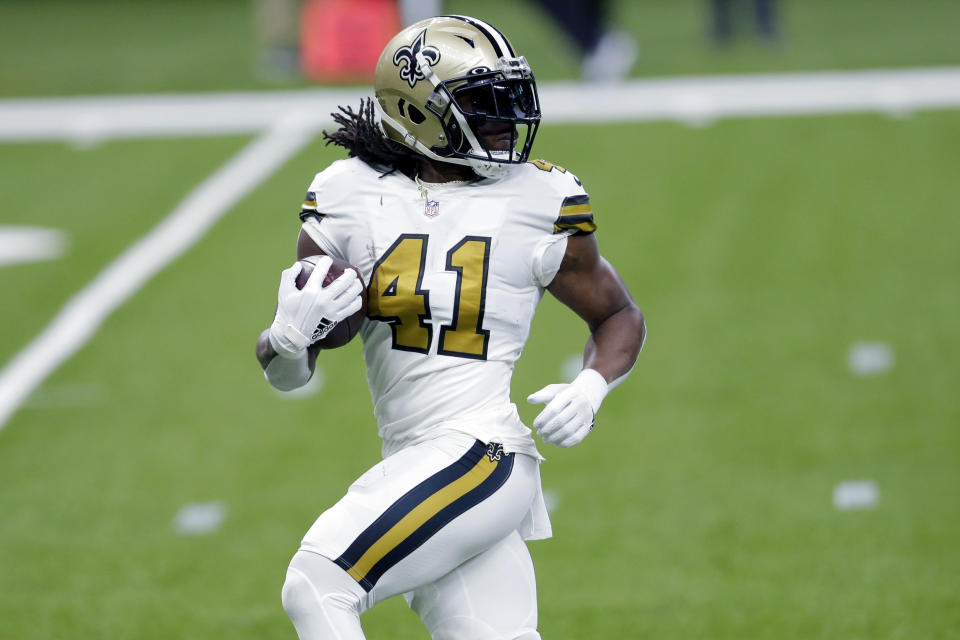 New Orleans Saints running back Alvin Kamara (41) breaks free on a 40 yard touchdown carry in the first half of an NFL football game against the Minnesota Vikings in New Orleans, Friday, Dec. 25, 2020. (AP Photo/Brett Duke)