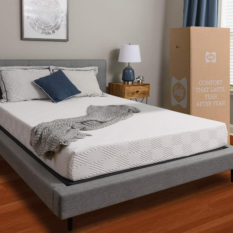 With bed-in-a-box delivery, it's never been easier to buy a mattress. (Photo: Amazon)