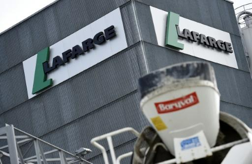 French-Swiss firm Lafarge ready to sell cement for Trump's wall