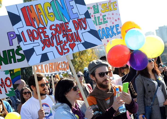 Montenegrin gay activists march during the country's third Gay Pride parade in Podgorica on November 2, 2014 (AFP Photo/Savo Prelevic)