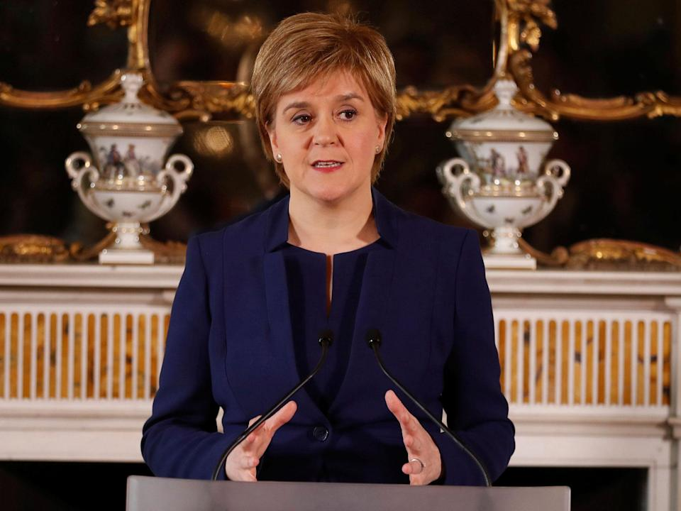 Brexit: Nicola Sturgeon says Scotland should be allowed to 'stay in EU single market' if Northern Ireland can