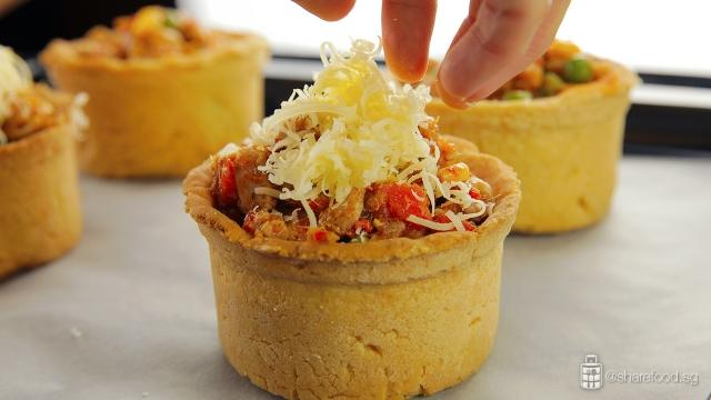 TomYumChickenPie-top-with-grated-cheddar-cheese