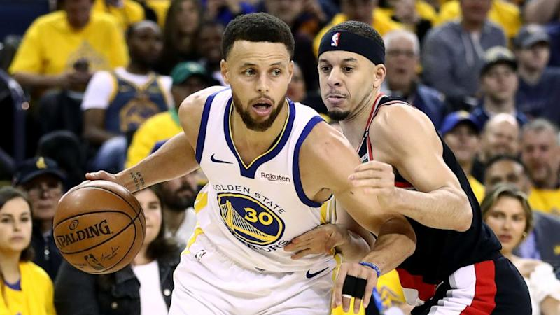 2362c1f59e1 Steph Curry on what it s like to play against his brother   It s such a  mixed feeling