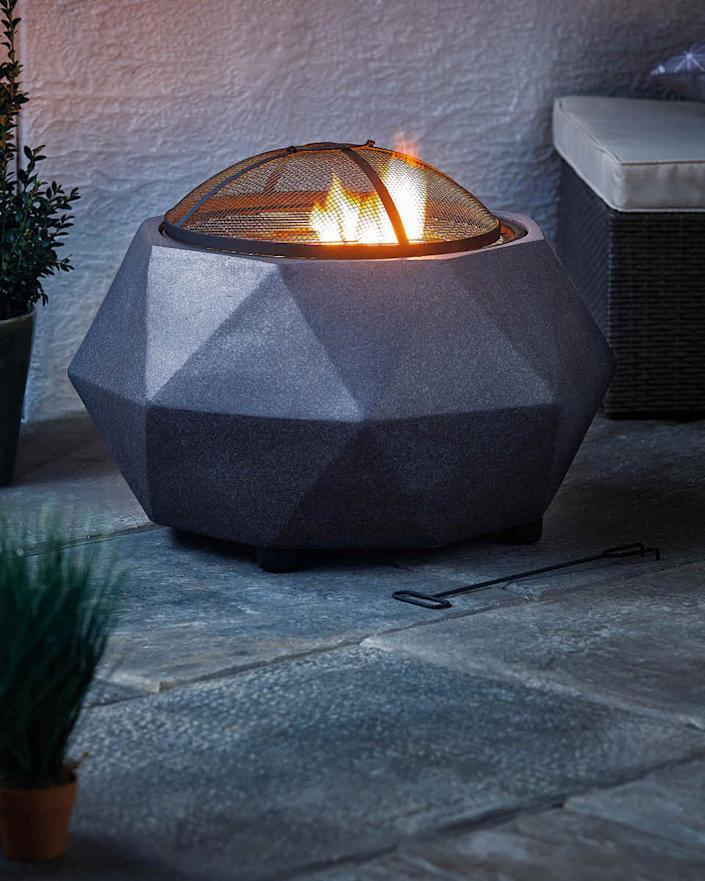 Aldi's chic looking fire place is a lot more affordable than it looks. (Aldi)