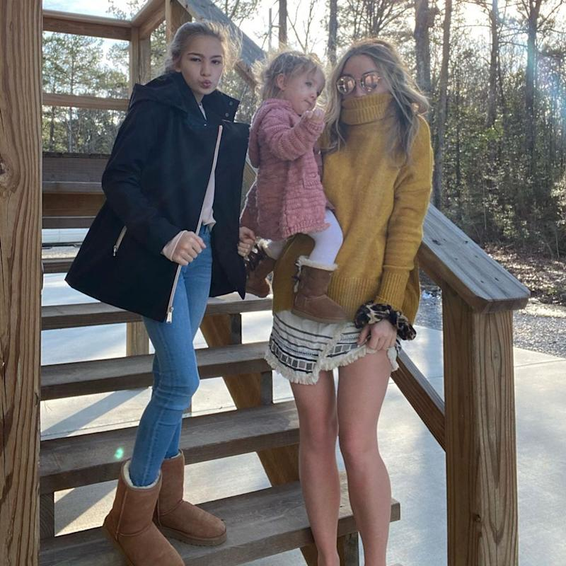 Jamie Lynn Spears outdoors with her daughters