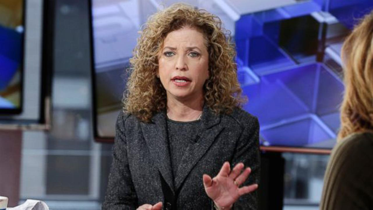 DNC chair Debbie Wasserman Schutlz stepping down at end of convention