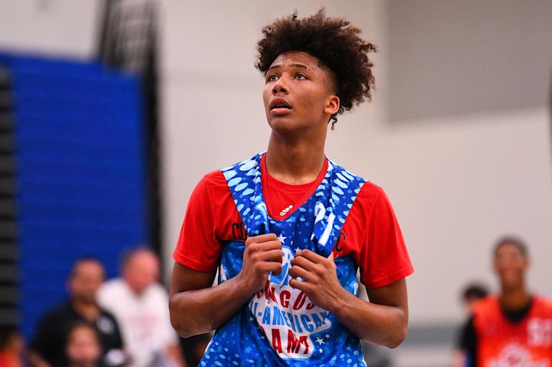 NORWALK, CA - JUNE 02: Mikey Williams looks on during the Pangos All-American Camp on June 2, 2019 at Cerritos College in Norwalk, CA. (Photo by Brian Rothmuller/Icon Sportswire via Getty Images)