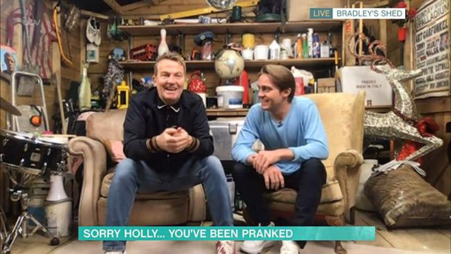 Bradley-Walsh-house-shed