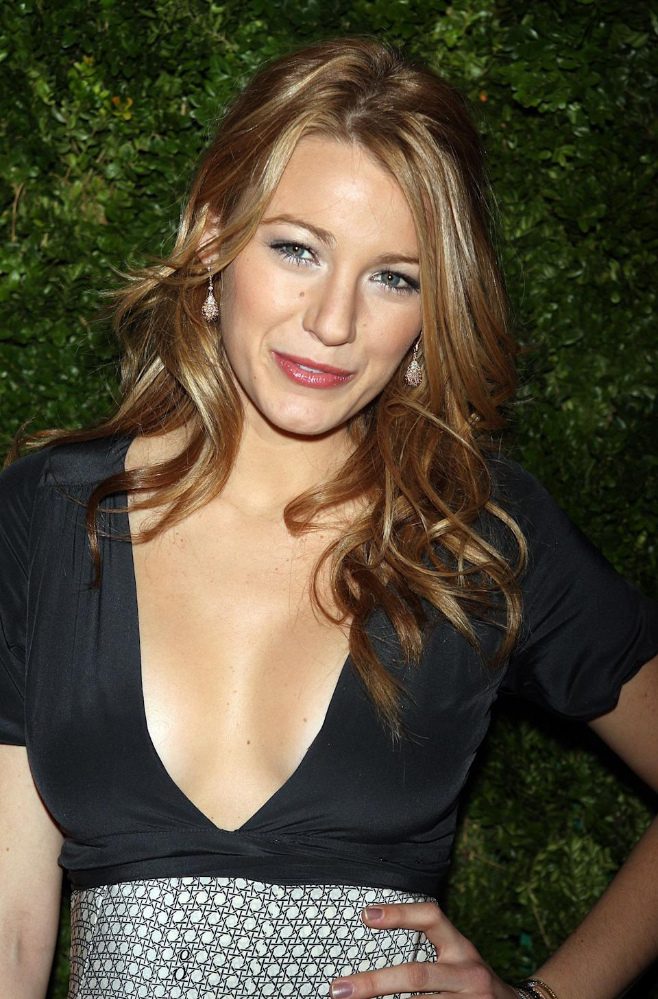 NEW YORK - NOVEMBER 17:  Blake Lively attends the 5th Anniversary of the CFDA/Vogue Fashion Fund at Skylight Studios on November 17, 2008 in New York City.  (Photo by Scott Gries/Getty Images)