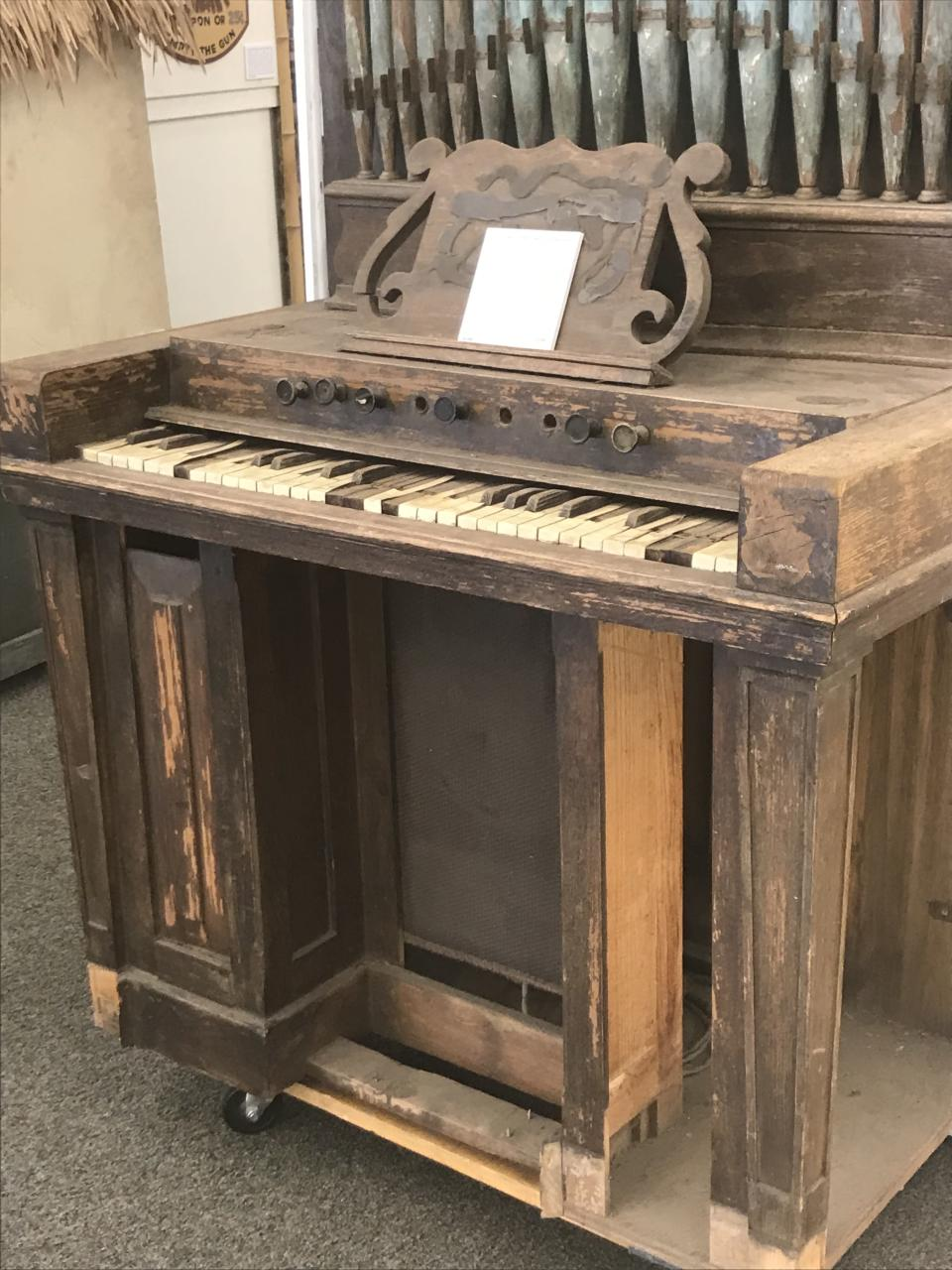 The organ prop was used at Disneyland for decades. (Photo: Yahoo Entertainment)