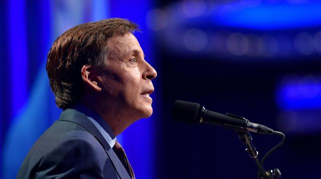 Bob Costas is teaming up with the Concussion Legacy Foundation to educate broadcasters on concussions.
