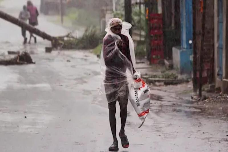 Amphan-like Cyclone in Arabian Sea? IMD Says Storm Likely in 48 Hrs; Mumbai Region, K'taka to be Hit