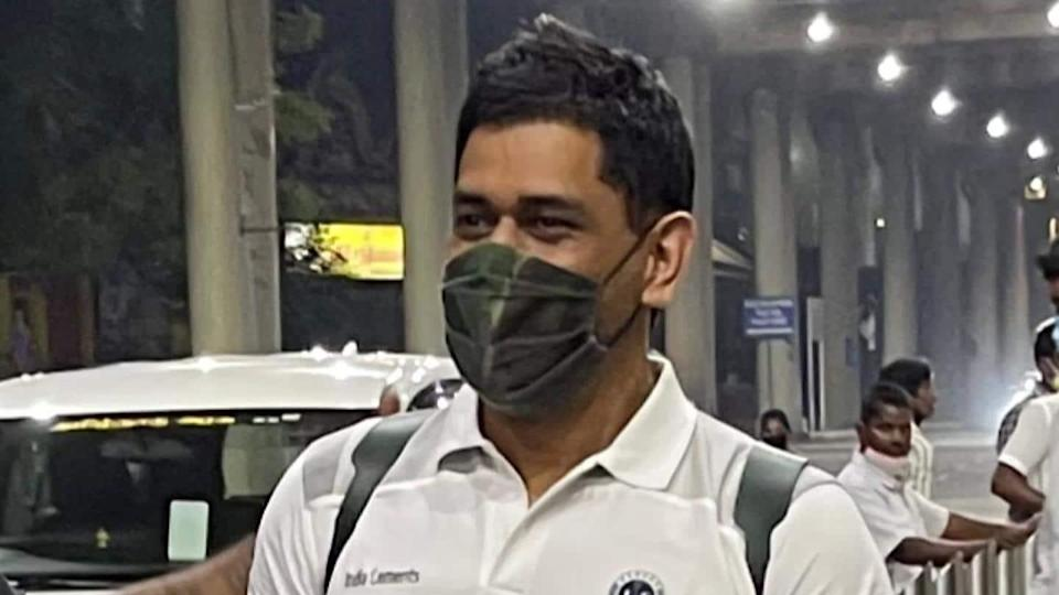 IPL 2021: Dhoni returns as CSK begin training at nets