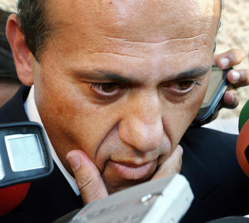 Sevilla president steps down with prison looming