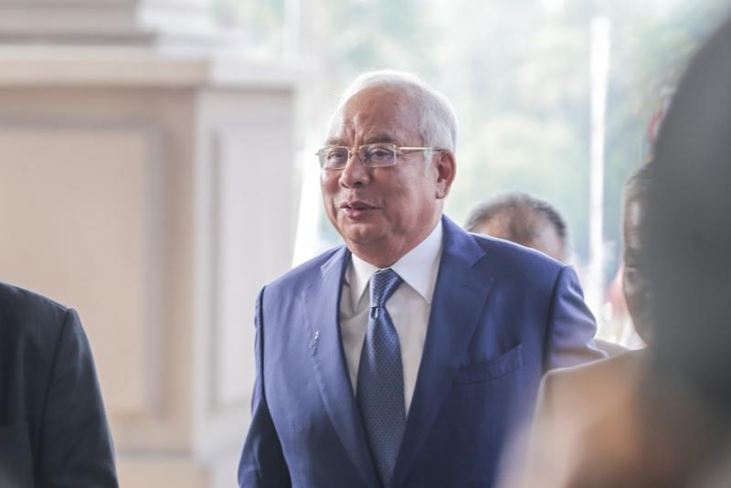 Former prime minister Datuk Seri Najib Razak arrives at the Kuala Lumpur High Court Complex, September 17, 2019. ― Picture by Firdaus Latif