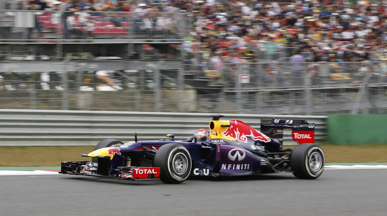 Red Bull Formula One driver Sebastian Vettel of Germany races during the Korean F1 Grand Prix at the Korea International Circuit in Yeongam, October 6, 2013. REUTERS/Kim Hong-Ji (SOUTH KOREA - Tags: SPORT MOTORSPORT F1)