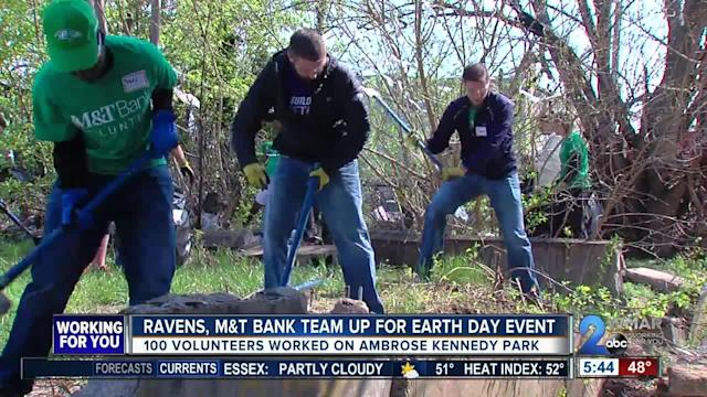 The Baltimore Ravens teamed up with M&T Bank for their annual Earth Day event Thursday.