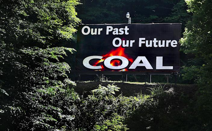 Pro-coal signs can be seen all over West Virginia. (Photo: Michael S. Williamson/The Washington Post via Getty Images)