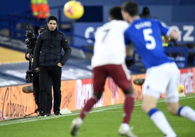 Arteta (left) saw his team lose against his former side Everton on Saturday.