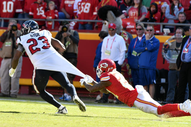 Bashaud Breeland and the Kansas City Chiefs had a hard time holding down Houston Texans running back Carlos Hyde, who ran for 116 yards and a touchdown on Sunday. (AP)
