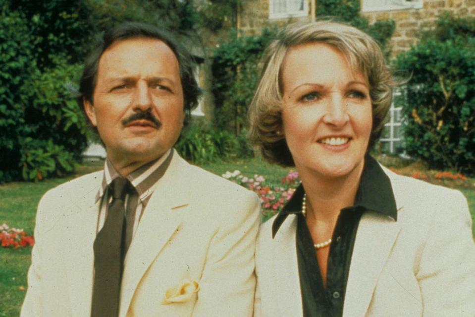 <p>Peter Bowles and Penelope Keith's will-they, won't-they relationship in classic sitcom was adored by the viewing public, with Audrey foiling Richard's plans to appear in an upmarket advert.</p>