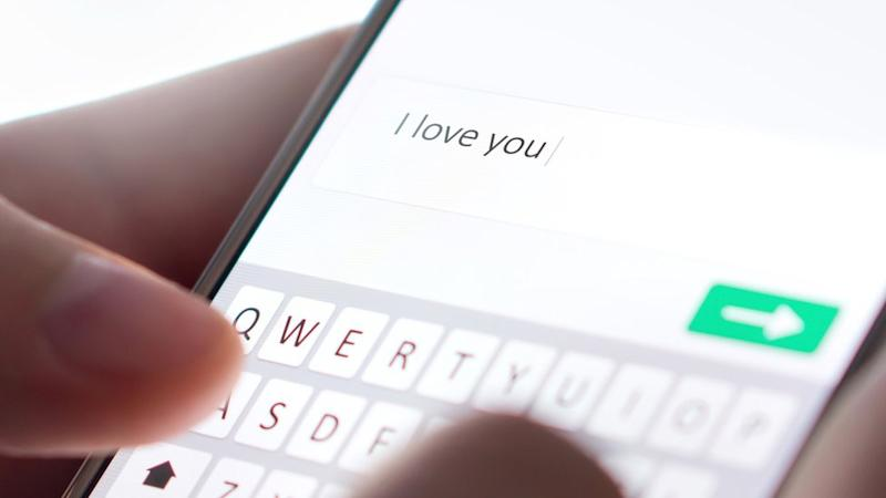 I love you, written on text message
