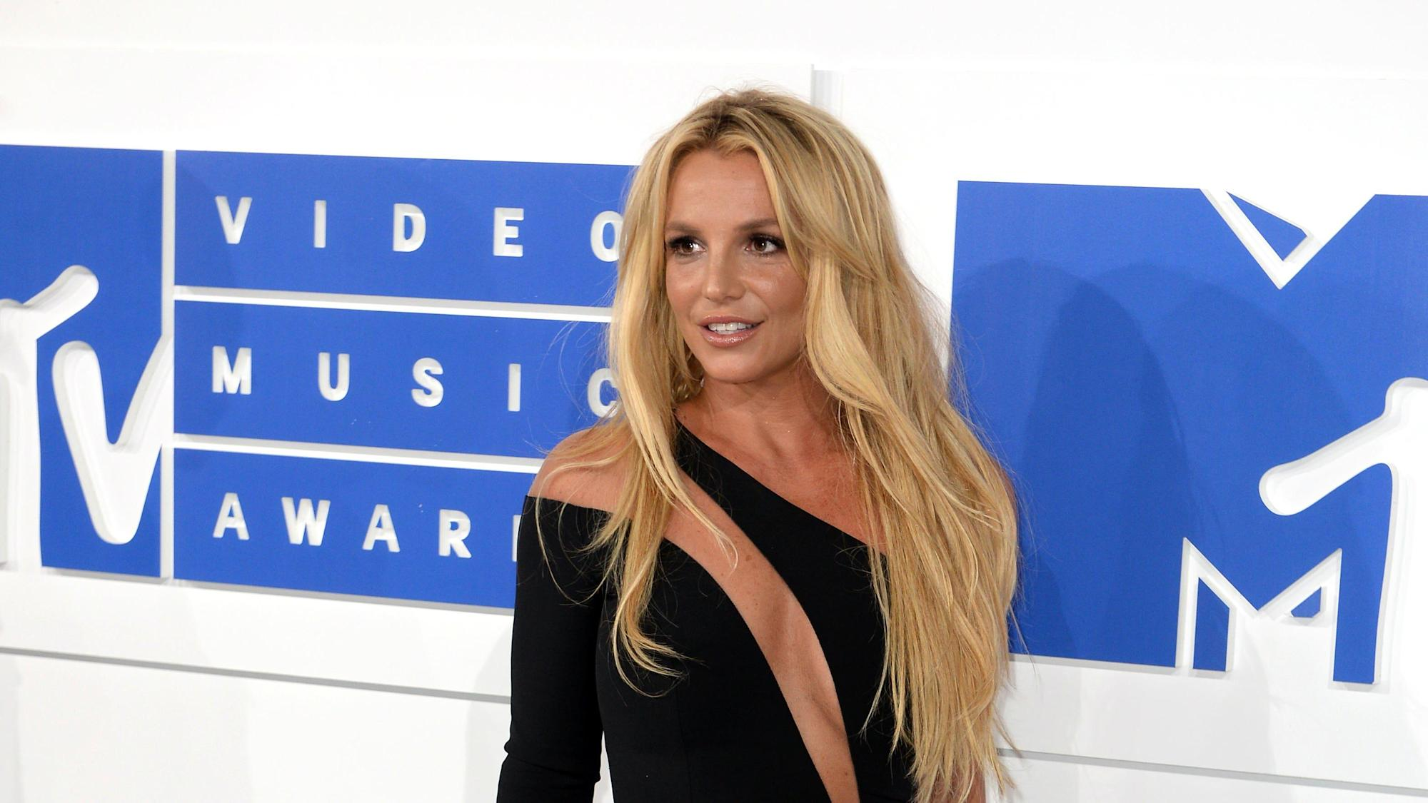 Britney Spears says she wants her father charged with conservatorship abuse