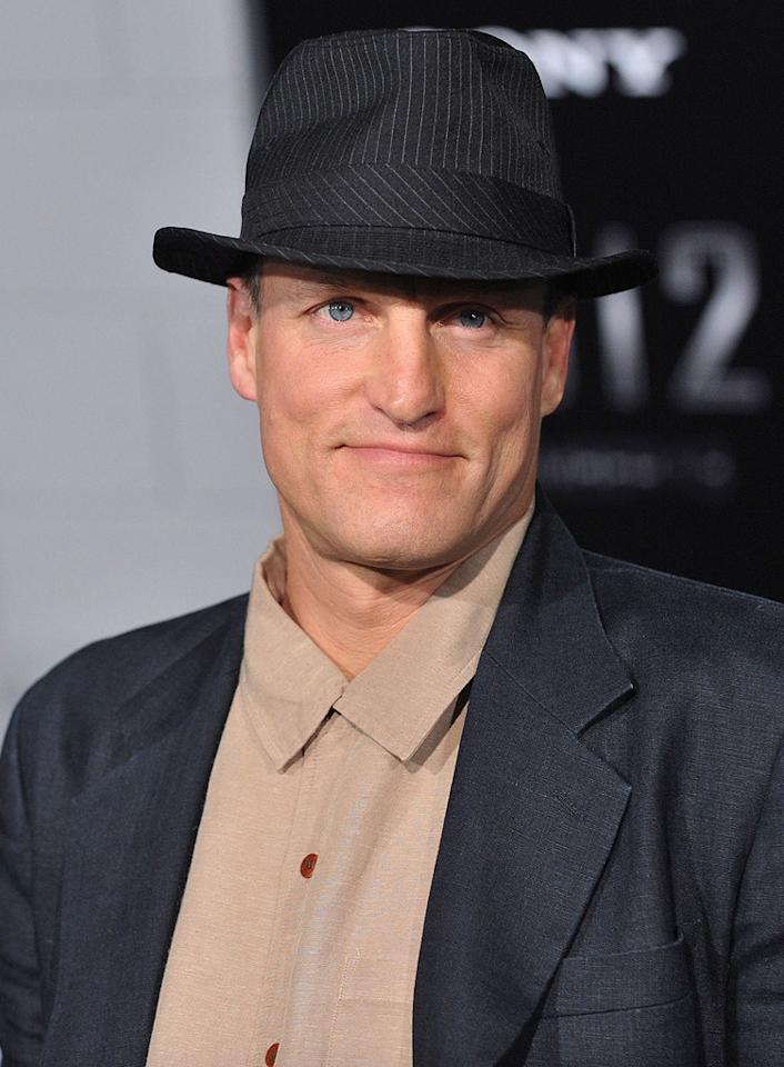 """<a href=""""http://movies.yahoo.com/movie/contributor/1800018911"""">Woody Harrelson</a> at the Los Angeles premiere of <a href=""""http://movies.yahoo.com/movie/1810045661/info"""">2012</a> - 11/03/2009"""
