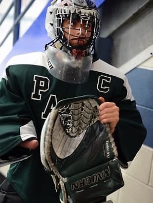 Minnesota teen Caitlin Tate starts at goalie despite playing with one hand -- Pioneer Press