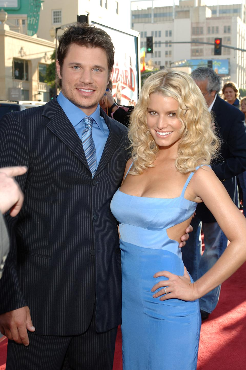 """Nick Lachey and Jessica Simpson during """"The Dukes of Hazzard"""" Los Angeles Premiere - Red Carpet at Grauman's Chinese Theatre in Los Angeles, California, United States. (Photo by L. Cohen/WireImage)"""