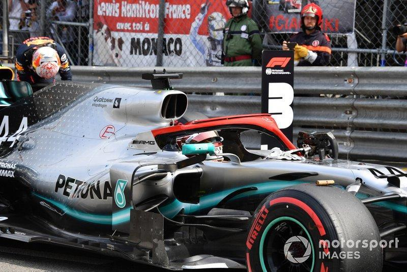 """Lewis Hamilton, Mercedes AMG F1 W10, arrives on the grid after securing pole<span class=""""copyright"""">Mark Sutton / Sutton Images</span>"""