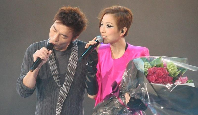 'Queen of Canto-pop' Sammi Cheng forgives cheating husband Andy Hui and says she will not give up on their marriage