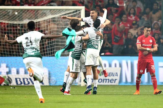 Football Soccer - Mexican First Division Final Second Leg - Toluca v Santos Laguna - Nemesio Diez stadium, Toluca, Mexico May 20, 2018. Players of Santos Laguna celebrate after winning the Mexican First Division Final. REUTERS/Edgard Garrido