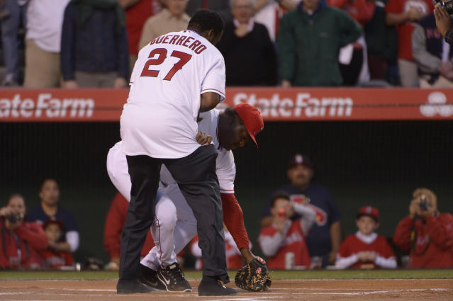 Angels hitting coach Don Baylor breaks leg on ceremonial first pitch