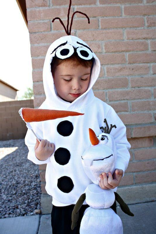 """<p>Does your toddler love warm hugs and building snowmen? We found the perfect costume for him.</p><p><strong>Get the tutorial at <a href=""""http://desertchica.com/olaf-costume/"""" rel=""""nofollow noopener"""" target=""""_blank"""" data-ylk=""""slk:Desert Chica"""" class=""""link rapid-noclick-resp"""">Desert Chica</a>.</strong> </p>"""