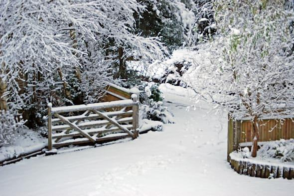 snow to fall in UK today