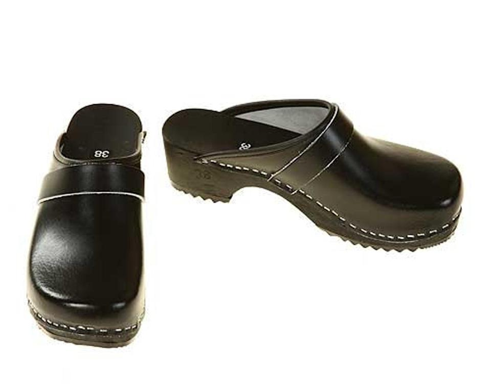 """<br><br><strong>Clogshop</strong> Topstiched Black Clogs, $, available at <a href=""""https://go.skimresources.com/?id=30283X879131&url=https%3A%2F%2Fwww.etsy.com%2Flisting%2F95296406%2Fclogs-black-with-black-sole"""" rel=""""nofollow noopener"""" target=""""_blank"""" data-ylk=""""slk:Etsy"""" class=""""link rapid-noclick-resp"""">Etsy</a>"""